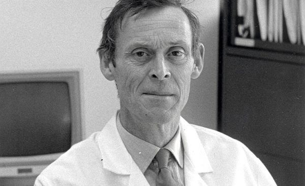 Dr. Mark Wilton, Former Head of Oral Medicine at University of Illinois at Chicago College of Dentistry, Passes away
