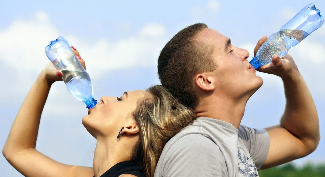 4 Ways Drinking Water Improves Your Smile