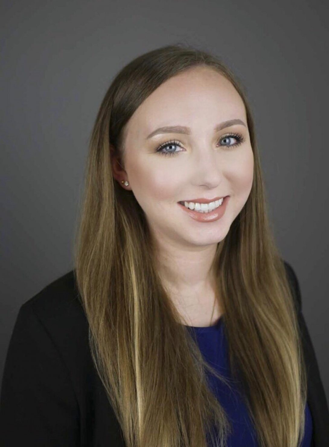 portrait of Dr. Jessica Hedger