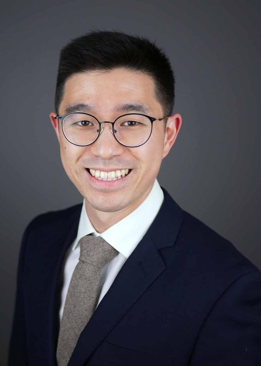 portrait of Dr. Justin Baik