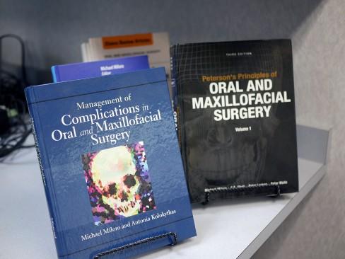 Books on oral and maxillofacial surgery